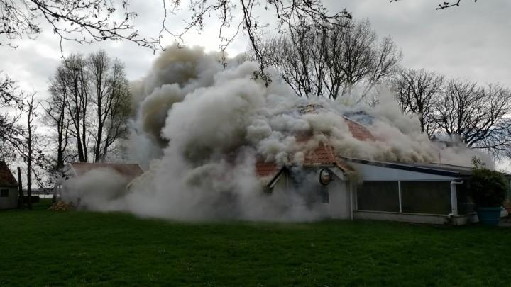 Restaurant Trije Hûs verwoest door brand
