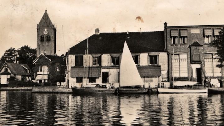Hotel Oostergoo in 1949. Mooie foto's van historisch Grou komen vaak voorbij op avonden van Stifting Grou. (Foto: Dorpsarchief)