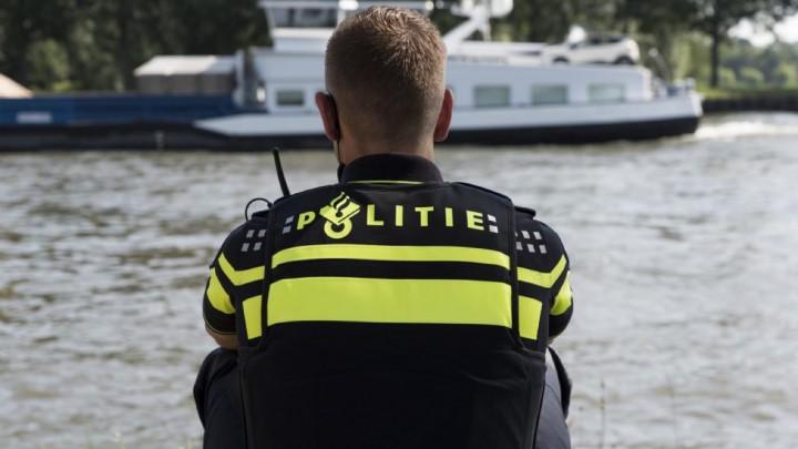 De politie was met twee boten bij de aanvaring aanwezig. (Archieffoto)