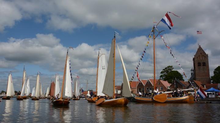 De KZV-wedstrijden stonden in het teken van het jubileum van statenjacht Friso. (Foto: Jikkie Piersma)