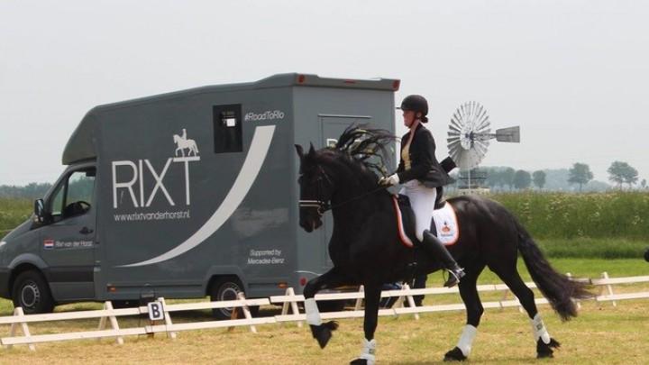 Nieuwe paardenbak voor Pikmarruters