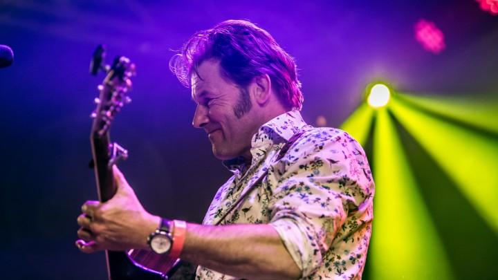 Piter Wilkens stond aan de basis van de Friestalige popscene.
