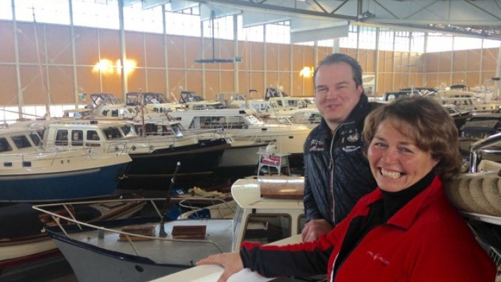 Harry Oude Luttikhuis en collega Marjolein in een vol Aquaverium.