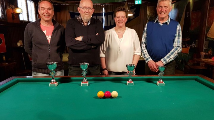 V.l.n.r.: Bart Reinsma, Eise Steneker, Nynke Kuindersma en Taede Huizenga. (Foto: Richard Tinga).
