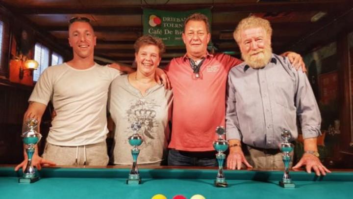 V.l.n.r.: Jeroen Bos, Nynke Kuindersma, Sijtze IJkema en Marten Zwever (Foto: Richard Tinga)