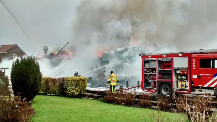 Het Theehuis werd verwoest, ondanks het snelle en grootschalige optreden van de brandweer.