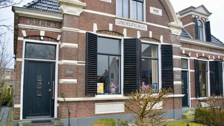 Het fraaie catechisatielokaal aan de Kerkstraat 3 in Grou.