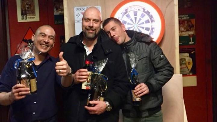 De prijswinnaars van het eerste onderlinge toernooi van De Boogschutter.