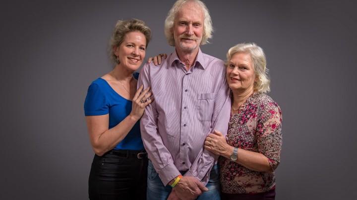 Anke Bijlsma, Jan Arendz en Marijke Geertsma (f.l.n.r.) spylje De man fan dyn libben.