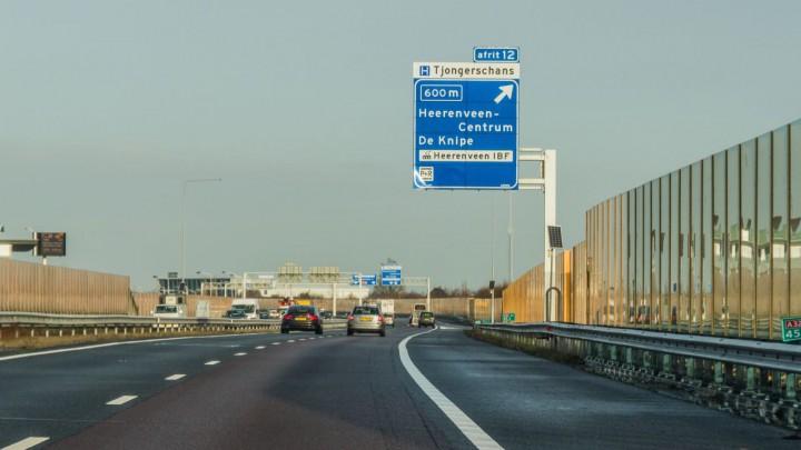 De geluidswerende voorzieningen langs de A32 bij Heerenveen. (Foto: Rijkswaterstaat)