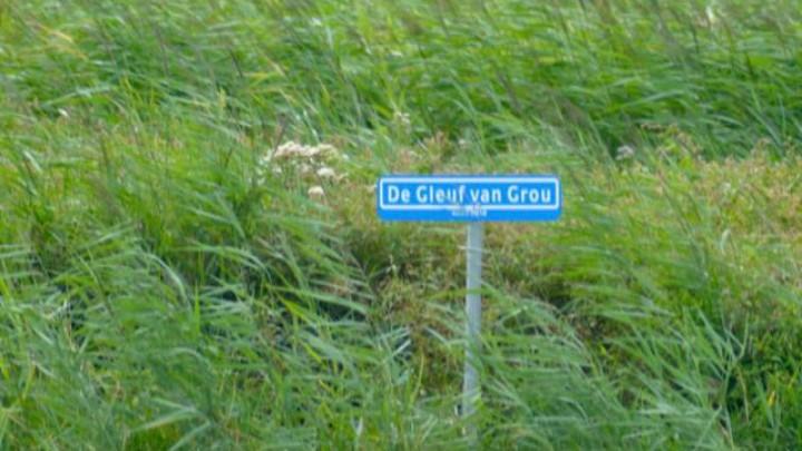 Deze bordjes waren illegaal geplaatst aan het begin en eind van het Suderburds Wiid.