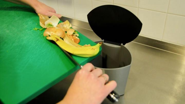 De gratis af te halen Biobakjes zijn gemaakt door VITA Plastics in Leek.