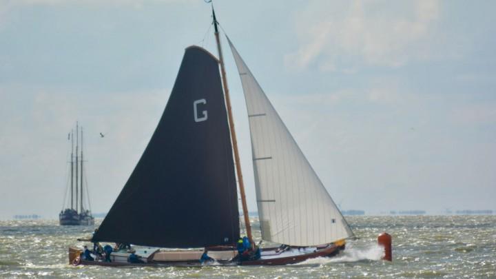 Dankzij een goede start was It Doarp Grou vandaag oppermachtig op het IJsselmeer.