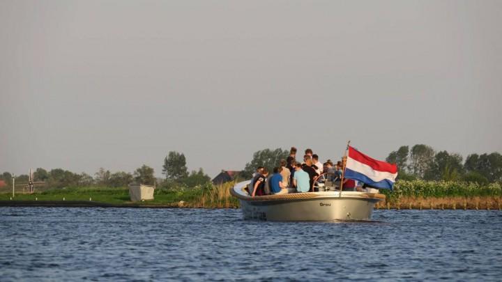 De Grutte Grize van Jan Feike Hoekstra is het 'commandoschip' tijdens het evenement.