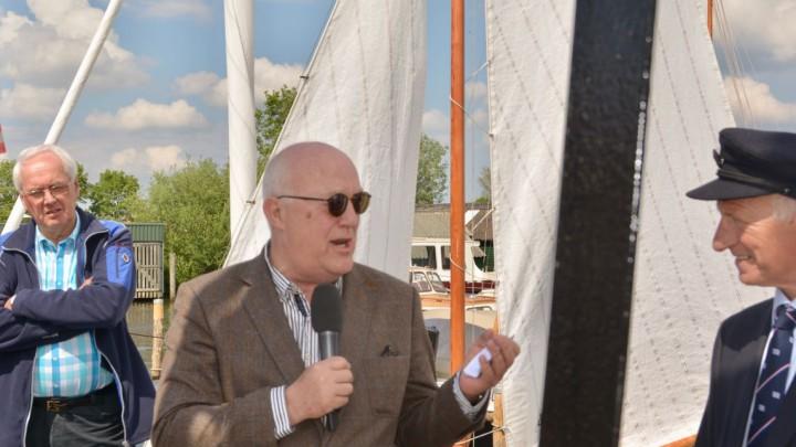 Henk Deinum opende op 16 mei 2017 de nieuwe GWS-haven. Rechts voorzitter Eelke Boersma.