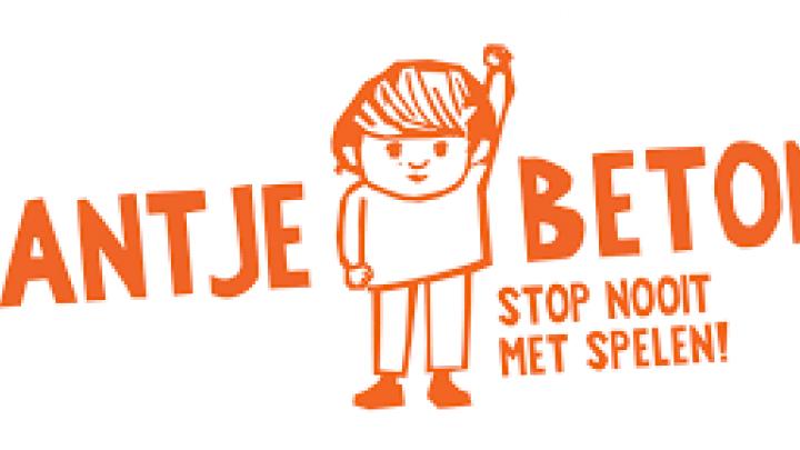 Jantje Beton en Play Skate Court delen collecte