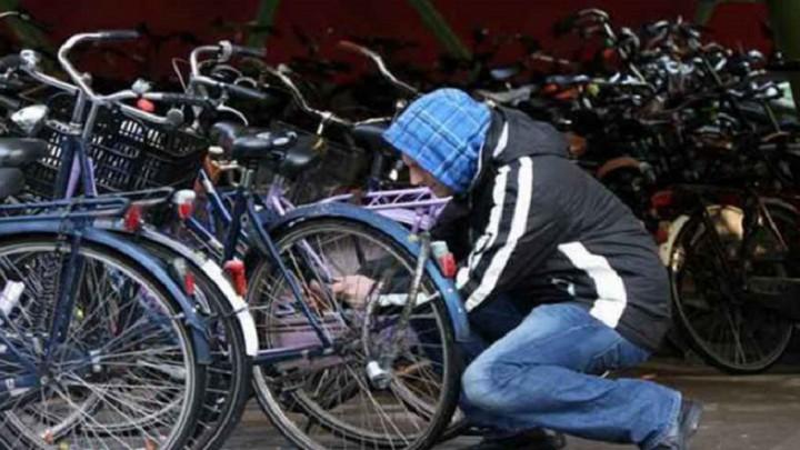 Forse werkstraf voor fietsendiefstal station