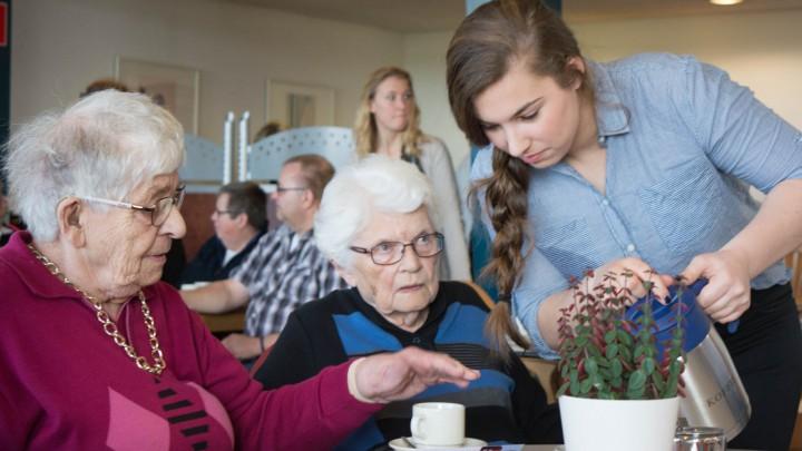 Mantelzorgers kunnen op 12 november genieten van lunch, zang en muziek.