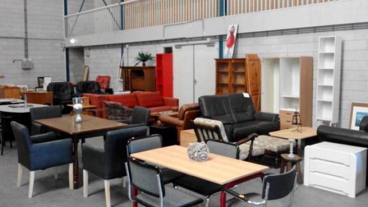 Weer meubelverkoop bij Kringloop Grou