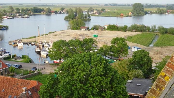 Klaas Stelma maakte zaterdag vanuit de Sint Pitertoren deze foto van Hellingshaven en Minne Finne.
