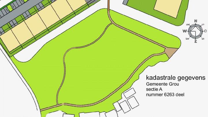 Het Minne Finnepaad, hier in bruin aangegeven, komt bij de Pikmar uit. Ook komt er een 'heechhout' over het gegraven water (zie boven, midden).