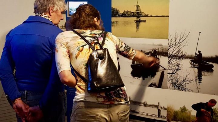 De gevarieerde collectie voorwerpen en foto's in Hert fan Fryslân laat zich goed 'gebruiken'.