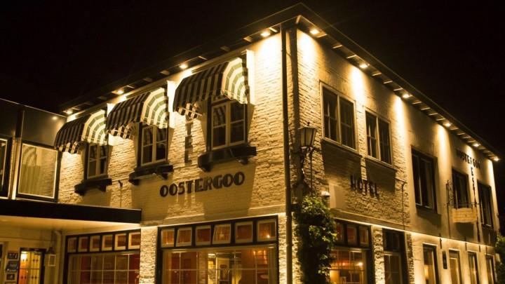 Hotel Oostergoo voor het eerst stemlokaal