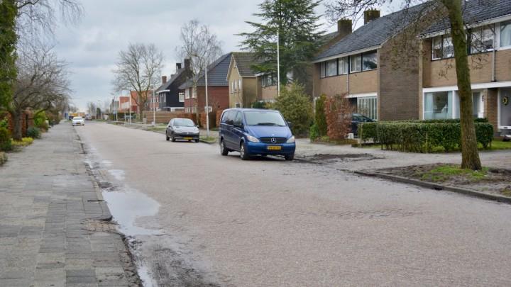 De riolering in de Oostergoostraat wordt vervangen.