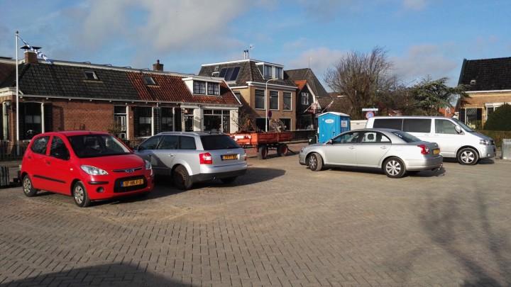Automobilisten namen de parkeerplaats aan de Gedempte Haven direct in gebruik.