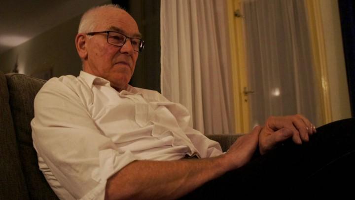 Oud-Grouster Piet Komduur promoveert op 70-jarige leeftijd.