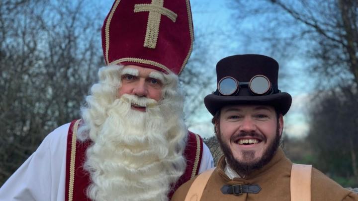 Sint Piter en Aldemar maken rondrit door Grou