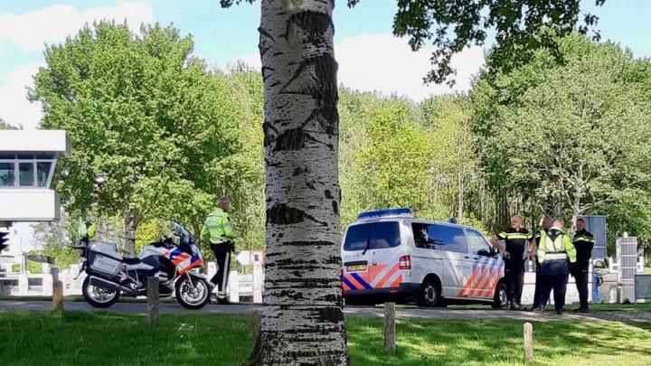 De politie kon de sloepdief bij de Hooidamsbrug in de kraag vatten.
