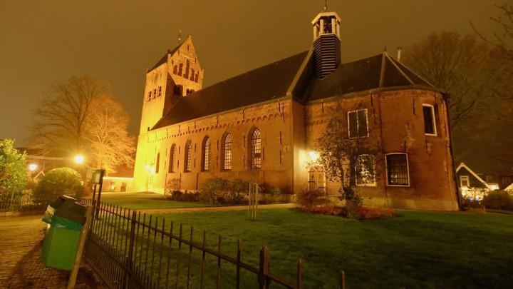 De Sint Piterkerk en toren worden de komende weken flink aangepakt. (Foto: Jannes Postma)