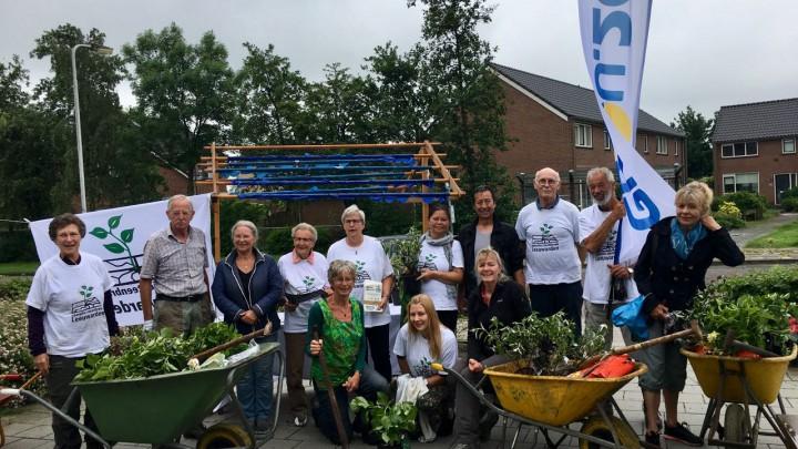 De vrijwilligers van Operatie Steenbreek bijeen bij Friesma State.