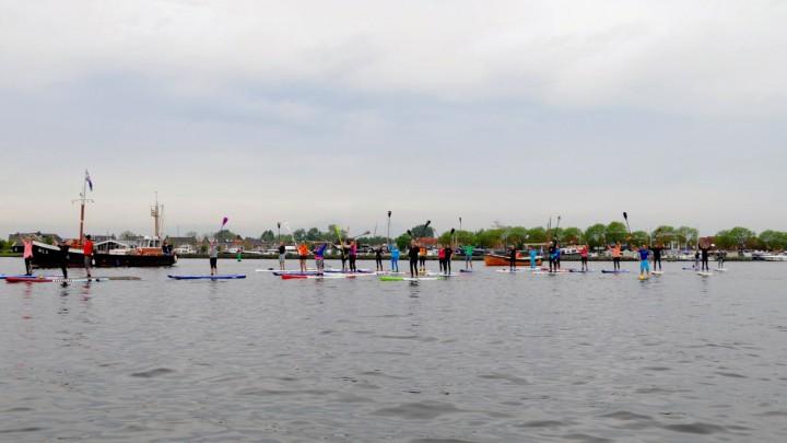 Sylkeningin en hofdame openen watersportseizoen