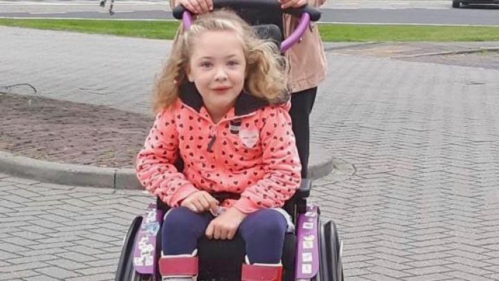 Suze de Jong uit Grou wil graag een rolstoelbus.