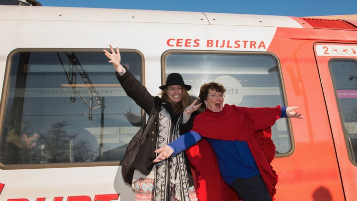 Krite Grou: Leny Dijkstra en Hiske Oosterwijk - Taal op it spoar