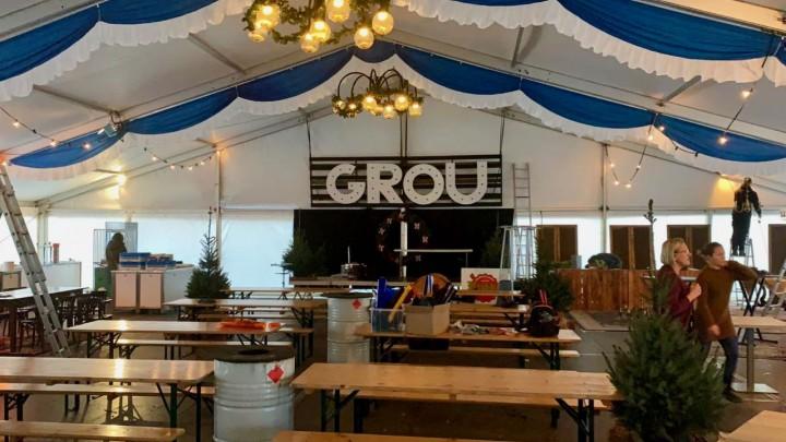 Proef Grou heeft dit jaar geen last van het onstuimige weer. Het evenement wordt in een warme tent gehouden.