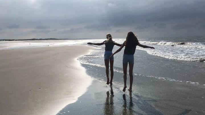 Vrijheid, op het strand bij Oosterend (Terschelling).