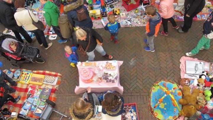 Koningsdag: 9e Vrolijke Vrijmarkt Grou