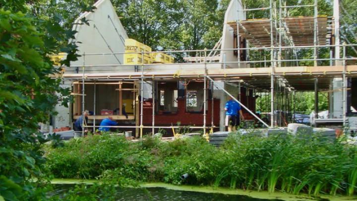 De woningen aan de Parkleane liggen idyllisch tussen Wilhelminapark en het Nijdjip. (Foto: Lucky Poelstra)